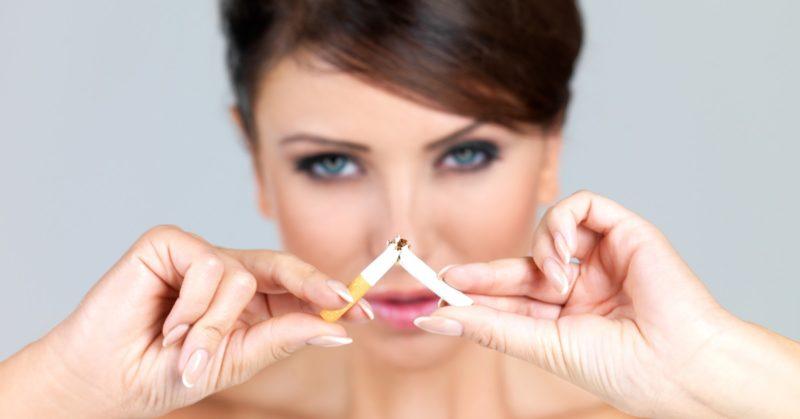 Woman-quits-smoking-800x419