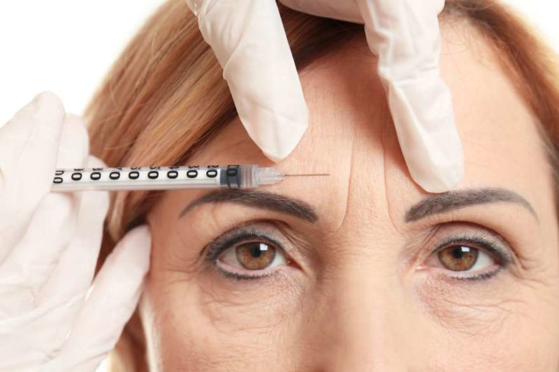 facial-filler-injection-lady-frown-lines-800x533